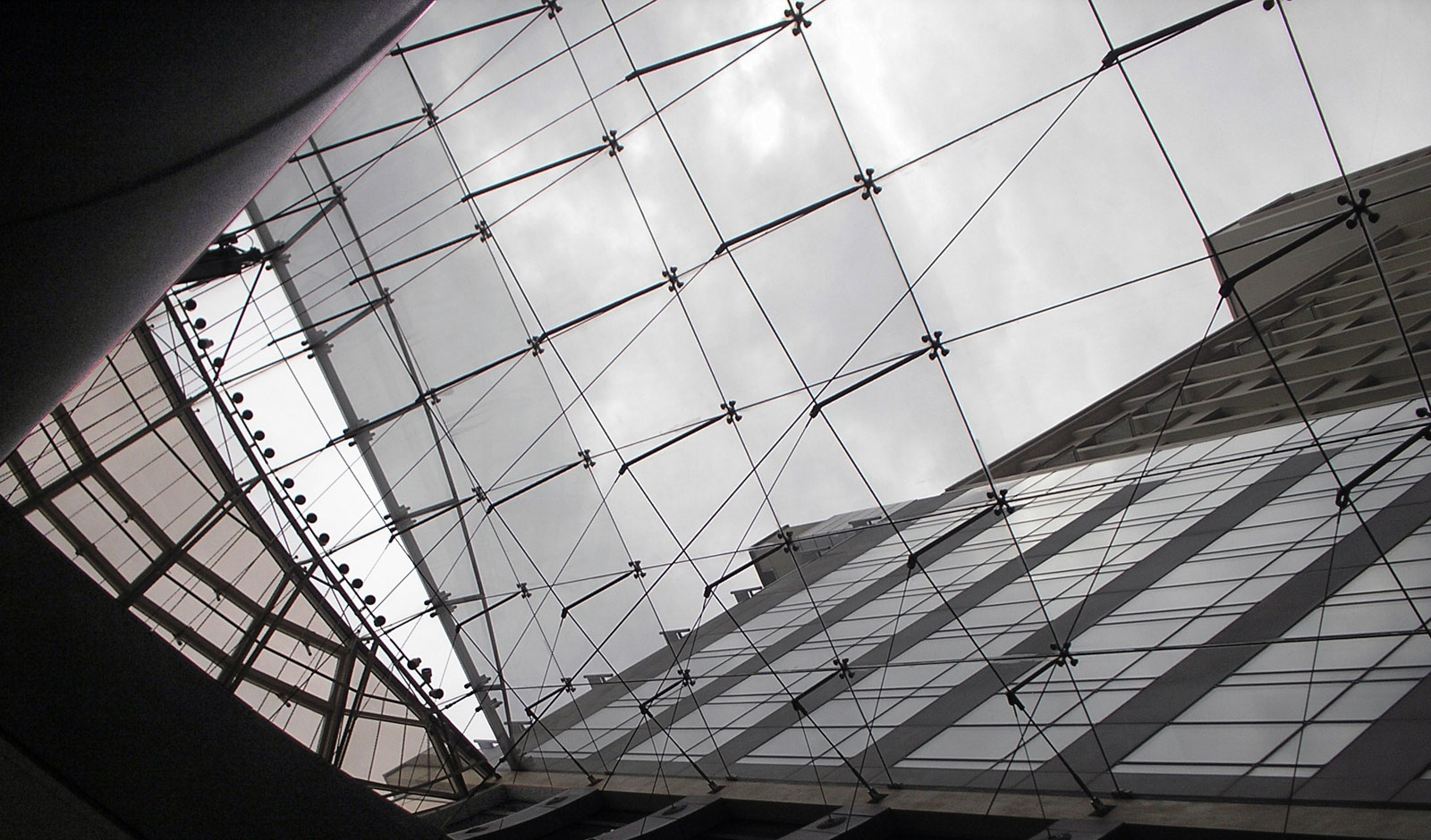 clear glass opens the atrium to the sky